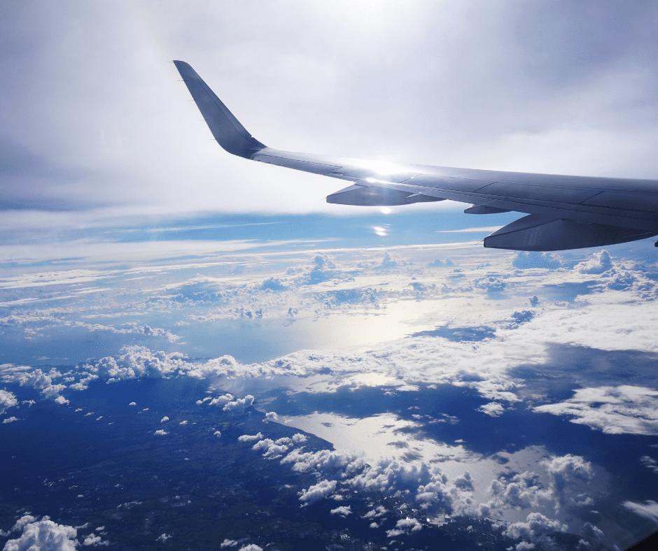 10-must-have-flight-essentials